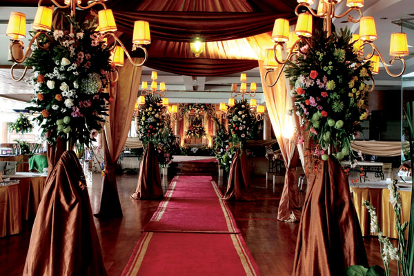 Banquet wedding click to enlarge image ballroom wedding 5g junglespirit Choice Image